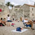 Muntenegru a redeschis granitele pentru cetatenii tarilor Uniunii Europene. Nicio cerinta legata de COVID-19 in disperarea de a plati datoria catre China