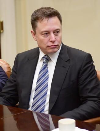 Musk avertizeaza: Goana dupa superioritate in domeniul inteligentei artificiale poate duce la un al Treilea Razboi Mondial