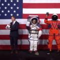 NASA a prezentat noile costume spatiale pentru urmatoarea misiune pe Luna (Video)