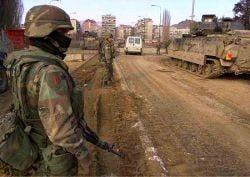 NATO: Atacurile talibanilor nu afecteaza aprovizionarea