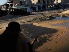 NATO: Soldatii lui Gaddafi trag asupra populatiei de pe moschei si se ascund in scoli