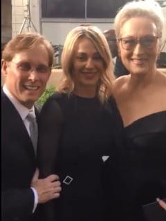 Nadia Comaneci, de mana cu Meryl Streep pe covorul rosu al Globurilor de Aur (Video)
