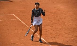Naomi Osaka, la un pas de o eliminare rusinoasa la Roland Garros: Nipona a pierdut primul set cu 6-0