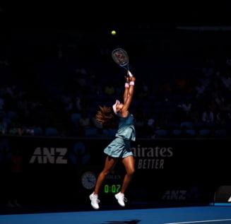 Naomi Osaka a castigat cu mari emotii la Australian Open