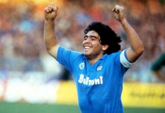 "Napoli il omagiaza pe Maradona cu o fotografie in tricoul azzuro: ""Para siempre. Adios, Diego!"""