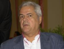 Nastase: Este posibil ca parlamentarii PDL sa nu fie lasati sa voteze la motiune