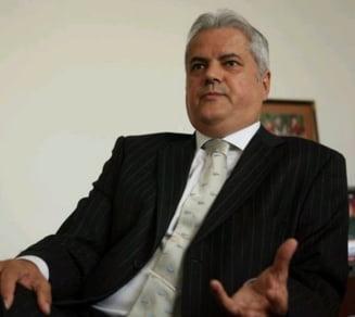 Nastase: Udrea sa propuna daramarea zidului de la Cotroceni, nu de la Parlament