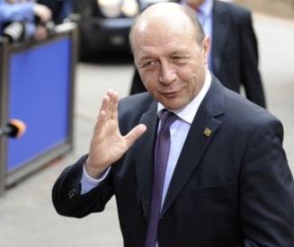 """Nastase: Un candidat """"convenabil"""" la prezidentiale, provocarea lui Basescu pentru 2012"""