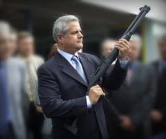 Nastase, scos de sub urmarire penala in dosarul armelor - scapa cu amenda