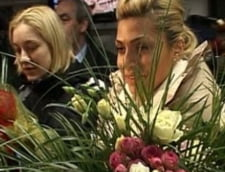 Nationala feminina de handbal a Romaniei a revenit in tara (Video)