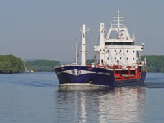 Navă încărcată cu cereale, blocată pe Dunăre. Traficul fluvial a fost restricționat