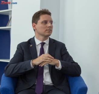 Ne vom face de ras la presedintia UE? Pregatiri pe hartie si personal cu pregatire minimala Interviu video cu ministrul Victor Negrescu