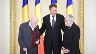 Neagu Djuvara si Mihai Sora, cavaleri la 100 de ani. Ce i-au spus lui Iohannis cand i-a decorat (Foto&video)