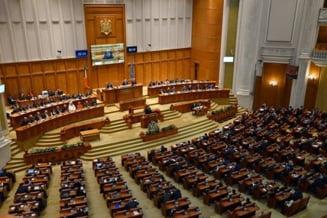 """Negocierile pentru functiile de conducere din Parlament sunt in blocaj. Romascanu (PSD): """"E foarte posibil sa nu avem foarte curand Guvern"""""""
