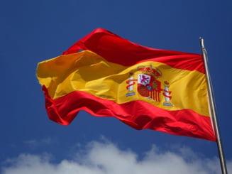 """Negocierile privind separarea Cataloniei au scos 45.000 de oameni in strada. Au strigat furiosi """"Pentru o Spanie unita!"""""""