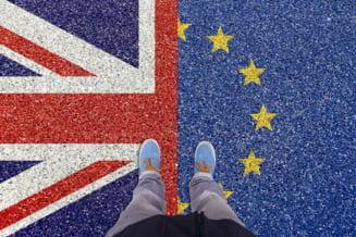 Negocierile unui acord post-Brexit se reiau, intr-un stadiu critic, la Londra