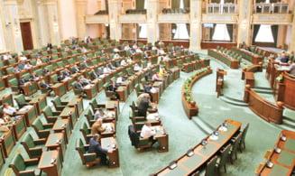 Neimpozitarea pensiilor sub 2.000 de lei, trecuta din nou prin Senat