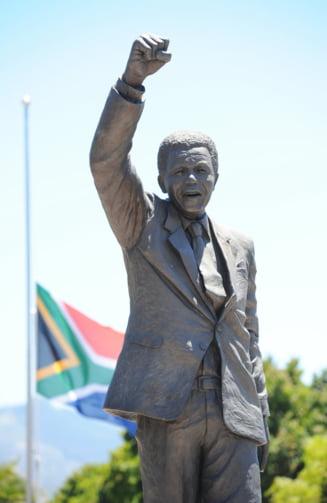 Nelson Mandela are statuie in Romania