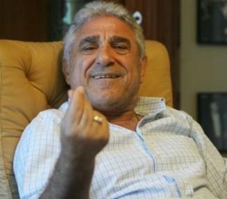 Nervi la Steaua: Giovani Becali loveste in Reghecampf