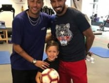 Neymar anunta ca nu merge la Real Madrid din vestiarul Barcelonei