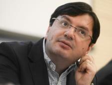 Nicolae Banicioiu, acuzat oficial pentru o spaga de 4 milioane de lei. Averea fostului ministru al Sanatatii a fost sechestrata