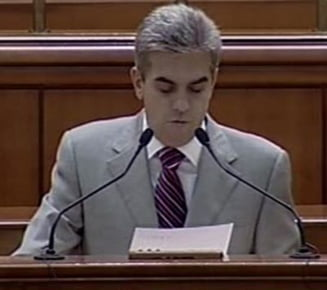 Nicolaescu: Romanii sunt speriati de aroganta Guvernului Boc