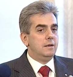 Nicolaescu ii cere lui Boc sa nu accepte coplata consultatiilor medicale