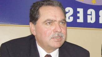 Nicolescu, acuzat ca a incheiat sau favorizat 26 de contracte pentru firmele familiei