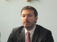 Nicolescu a ajuns la Resita. Ministrul a vizitat Uzina Constructoare de Masini, dar se fereste sa dea termene concrete