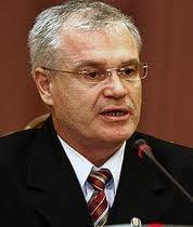 Nicolicea l-a reclamat pe Ponta Biroului Permanent al Camerei pentru calomnie