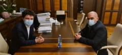"""Nicusor Dan, intalnire cu Ilie Bolojan: """"Am vorbit despre termoficare, trafic rutier si parcari. Daca s-a putut in Oradea, se va putea si in Bucuresti!"""""""