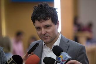 Nicusor Dan le-a facut plangere penala Gabrielei Firea si lui Robert Negoita: Spatiile verzi din Bucuresti carora le-au pus cruce