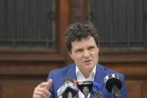 Nicusor Dan reclama mai multe infractiuni in acordul pe care Gabriela Firea l-a semnat cu familia Constanda pentru stingerea datoriei - DOCUMENT
