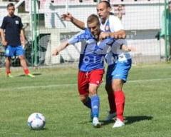 Nini Popescu conduce in topul mijlocasilor dreapta!