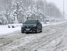 Ninsori puternice in Spania: Mii de persoane si-au petrecut noaptea blocate in masini