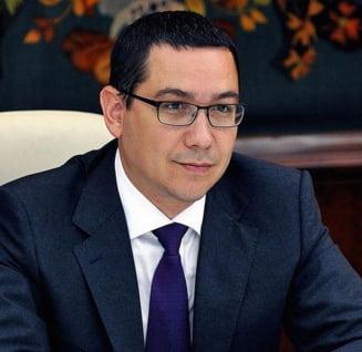 Noi detalii si fotografii din concediul lui Victor Ponta
