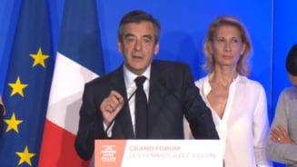 "Noi dezvaluiri in presa despre Francois Fillon: un ""prieten generos"" i-ar fi platit costume de 13.000 de euro"
