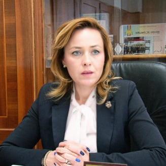 Noi explicatii vagi si bizare de la Carmen Dan: De ce a cerut demisia seful Serviciului Omoruri