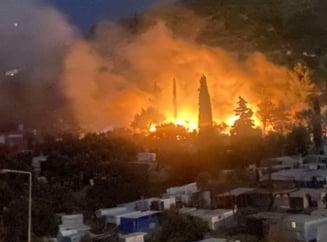 Noi incendii în apropiere de Atena. Zeci de oameni și-au părăsit locuințele