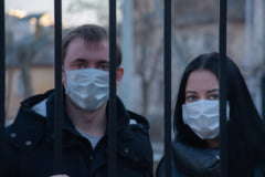 Noi masuri anti-pandemie in Bulgaria. Batranii pot merge la farmacie si la magazin doar intre orele 08.00 si 10.00