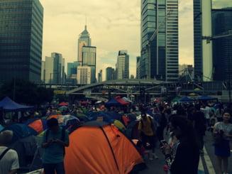 Noi proteste in Hong Kong: Manifestantii au vrut sa blocheze aeroportul, politia a folosit gaze lacrimogene