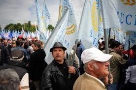 Noi proteste la Constanta: Functionarii se plang de salariile indecente (Video)