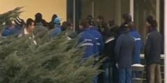 Noi proteste la Oltchim: Zece muncitori au intrat in greva foamei (Video)