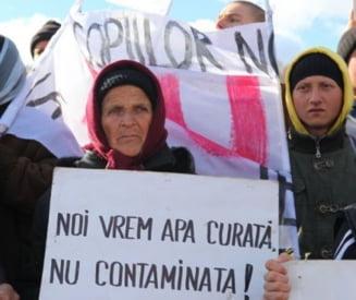 Noi proteste la Pungesti - oamenii acuza presiunile jandarmilor