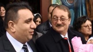 Noi stenograme - Mircea Basescu, sunat de Bercea din inchisoare: Finule, cumetre, trebuie sa rezolvam!