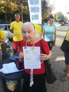 Nora lui Tudor Arghezi a semnat pentru Iohannis si s-a inscris in PNL la 93 de ani