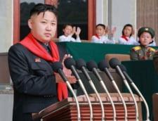 Nord coreenii intra in randul lumii: au voie cu telefoane mobile si pantofi cu toc