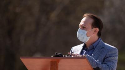 """Nou atac la adresa lui Florin Citu din partea PLUS: """"Premierul a intrat prea repede intr-un exercitiu de PR cu artificii si zurgalai. Doar 30% dintre batrani si bolnavi sunt vaccinati"""""""