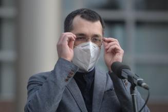 """Nou atac la adresa lui Vlad Voiculescu. Deputat liberal: """"Ar trebui sa va intereseze mai mult sistemul sanitar romanesc decat postarile pe retele"""""""