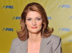Noua Republica o contesta pe Ramona Manescu: Politica de clan a USL, girata de Basescu